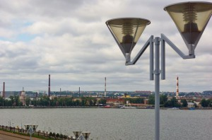 Ижевск лето пруд фонарь лампа