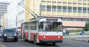 Trolleybus_9_on_Gorkogo_street_(Izhevsk)