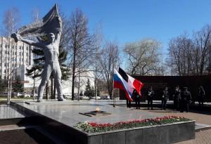 День Победы вечный огонь солдат флаги