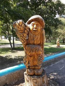 Парк_авиастроителей_(деревянные_скульптуры)