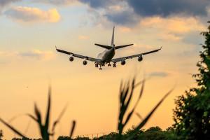 airplane-3298686_960_720