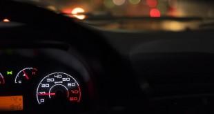 car-dashboard-2667437_960_720
